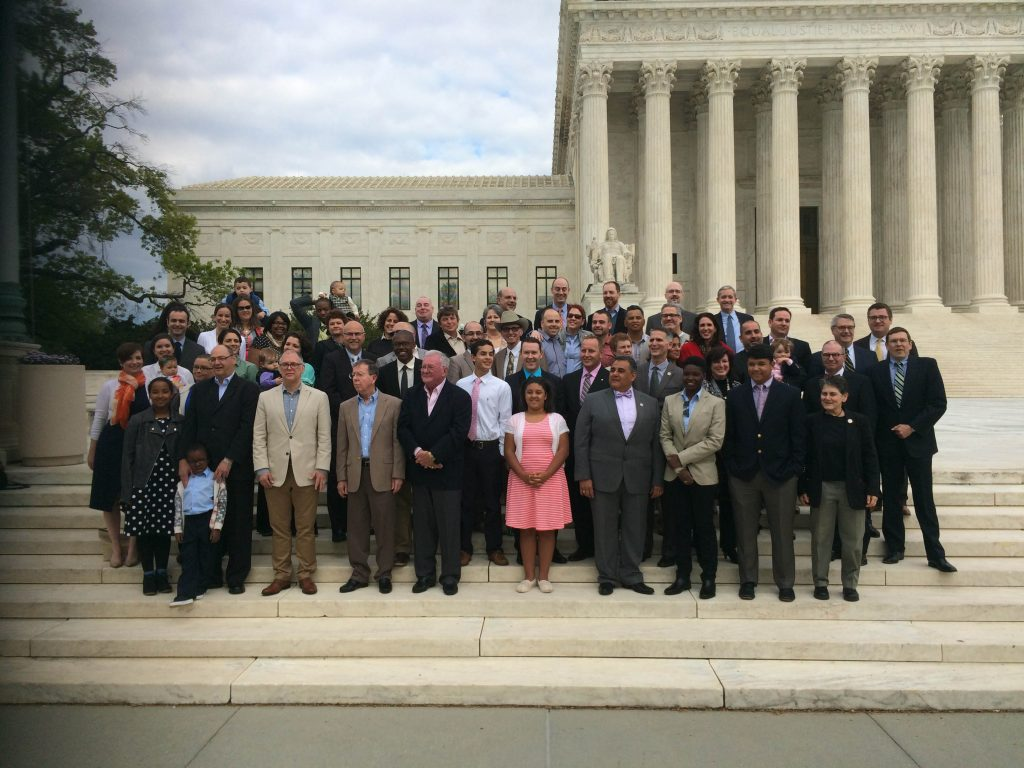 scotus-2015-plantiffs-on-steps2
